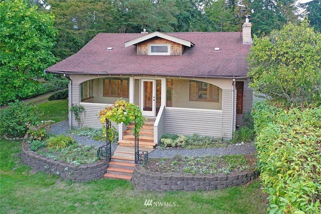 828 NE Gilmore Way NE, Bainbridge Island, WA 98110 (#1659623) :: NW Home Experts