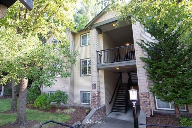 25025 SE Klahanie Boulevard C302, Sammamish, WA 98029 (#1659784) :: Becky Barrick & Associates, Keller Williams Realty