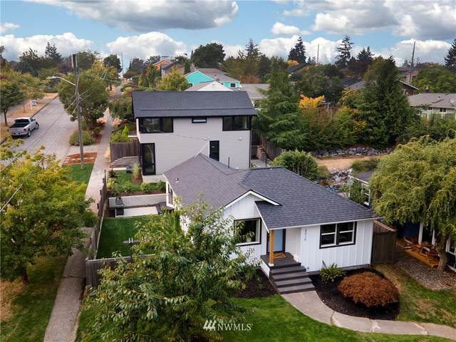 8015 37th Avenue SW A & B, Seattle, WA 98126 (#1660150) :: Ben Kinney Real Estate Team