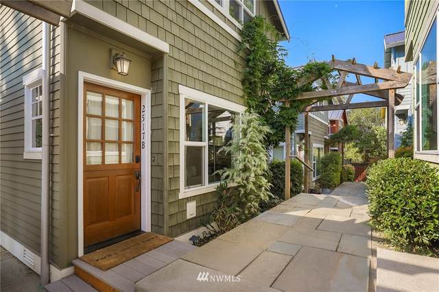 2517 30th Avenue S B, Seattle, WA 98144 (#1660309) :: Pacific Partners @ Greene Realty