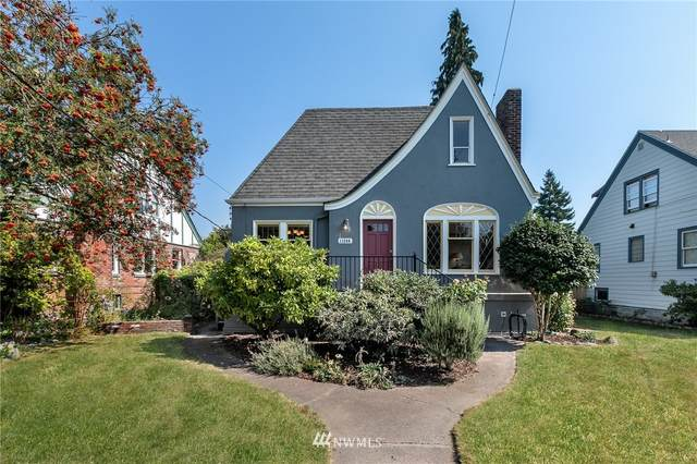 11246 Phinney Avenue N, Seattle, WA 98133 (#1660472) :: Hauer Home Team