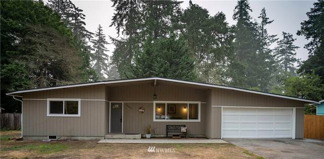 12411 Beverly Court SW, Lakewood, WA 98499 (#1661179) :: Ben Kinney Real Estate Team