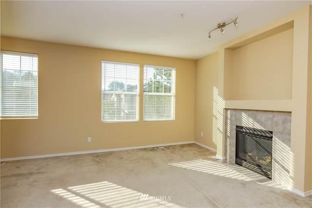 15325 SE 155th Place W-1, Renton, WA 98058 (#1661297) :: Becky Barrick & Associates, Keller Williams Realty