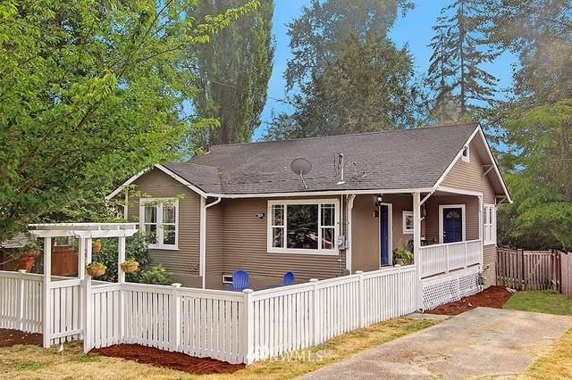 2711 NE 137th Street, Seattle, WA 98125 (#1661322) :: McAuley Homes