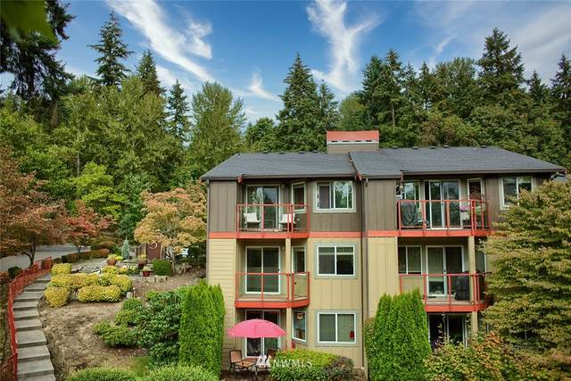 11058 NE 33rd Place D10, Bellevue, WA 98004 (#1661764) :: Becky Barrick & Associates, Keller Williams Realty