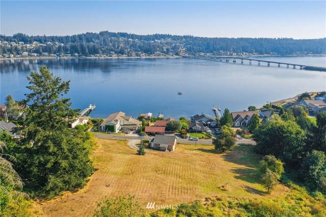 202 Bella Bella Drive, Fox Island, WA 98333 (#1661839) :: McAuley Homes