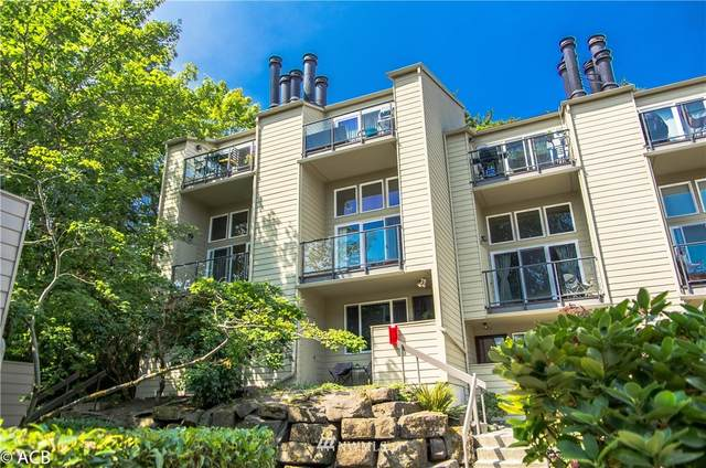 2939 76th Avenue SE 42C, Mercer Island, WA 98040 (#1661908) :: Alchemy Real Estate