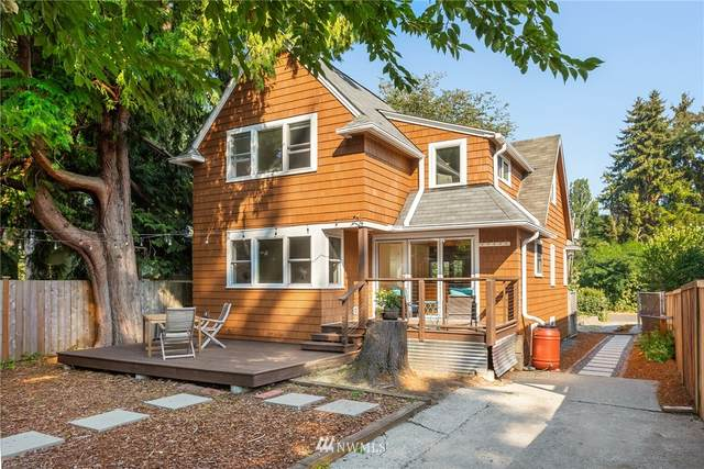 11739 26th Avenue NE, Seattle, WA 98125 (#1662442) :: Better Homes and Gardens Real Estate McKenzie Group
