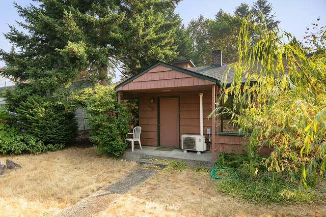 16052 27th Avenue NE, Shoreline, WA 98155 (#1662554) :: Pickett Street Properties
