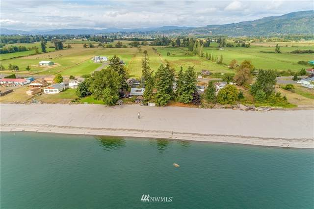 104 E Sunny Sands, Cathlamet, WA 98612 (#1662683) :: Hauer Home Team