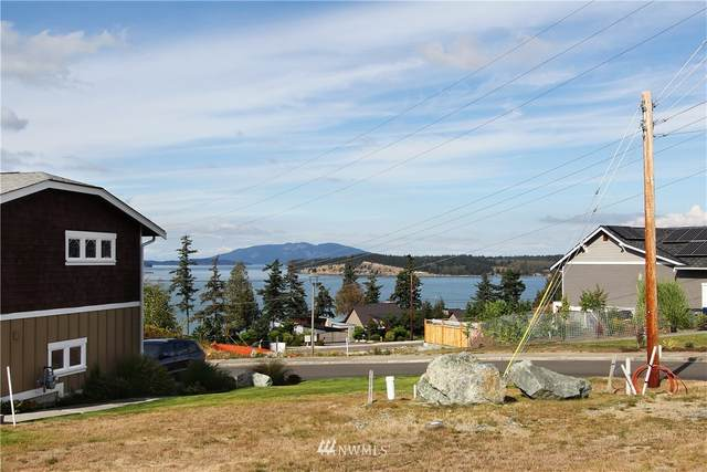 3903 Isle Way, Anacortes, WA 98211 (#1662739) :: Urban Seattle Broker