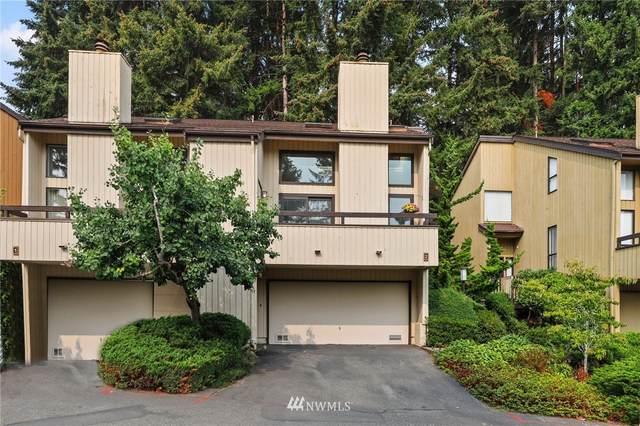 10900 NE 35th Place #2, Bellevue, WA 98004 (#1663390) :: Ben Kinney Real Estate Team