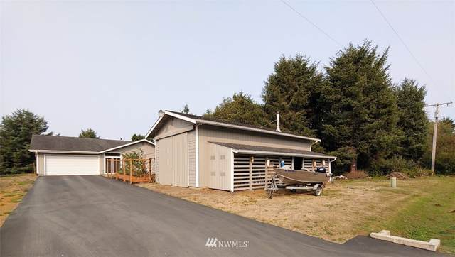 6 Ocean Lane, Ocean Shores, WA 98569 (#1663432) :: Ben Kinney Real Estate Team