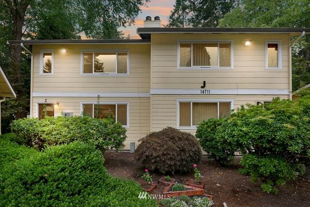 14711 NE 50th Place J2, Bellevue, WA 98007 (#1664181) :: McAuley Homes