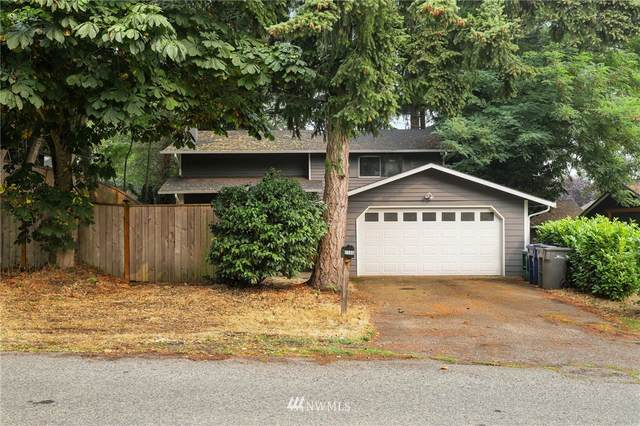2500 SW 104th Street, Seattle, WA 98146 (#1664775) :: Ben Kinney Real Estate Team