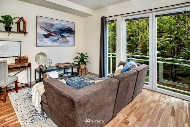 375 Kirkland Avenue #209, Kirkland, WA 98033 (#1664848) :: Pacific Partners @ Greene Realty