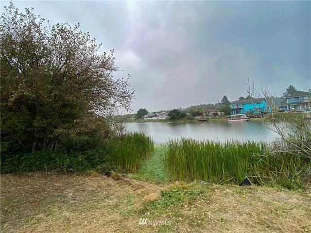 212 Point Brown Avenue NE, Ocean Shores, WA 98569 (#1665423) :: Lucas Pinto Real Estate Group