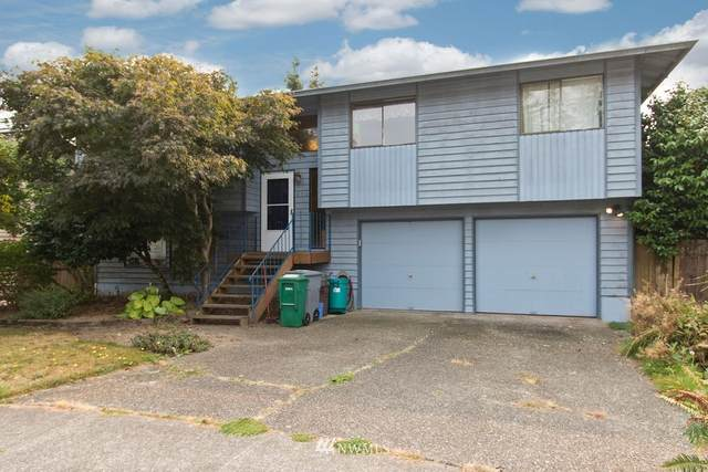 950 Anacortes Court NE, Renton, WA 98059 (#1665572) :: Ben Kinney Real Estate Team