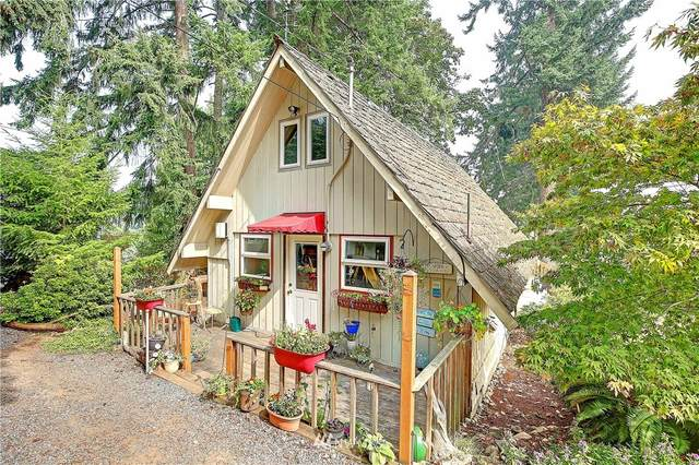 1265 E Camano Drive, Camano Island, WA 98282 (#1665912) :: Better Homes and Gardens Real Estate McKenzie Group