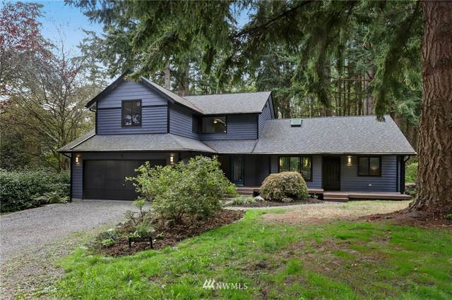 10585 NE Manor Lane, Bainbridge Island, WA 98110 (#1666413) :: Ben Kinney Real Estate Team
