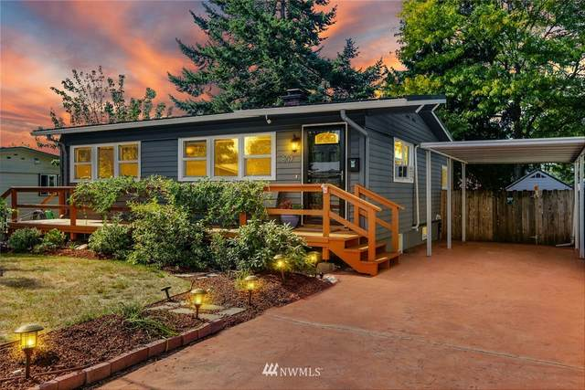 807 Edmonds Avenue NE, Renton, WA 98056 (#1666904) :: Ben Kinney Real Estate Team