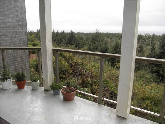 2815 Willows Road #231, Seaview, WA 98644 (#1667230) :: Commencement Bay Brokers