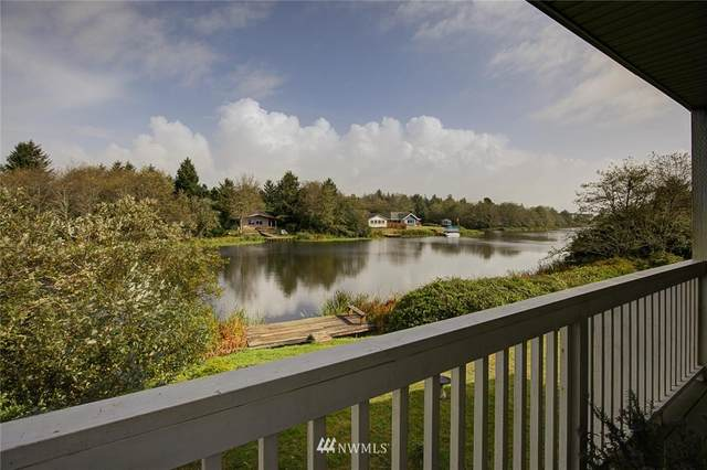 992 Point Brown Avenue SE #1, Ocean Shores, WA 98569 (#1667235) :: Ben Kinney Real Estate Team