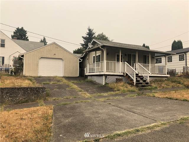 805 Columbia Street, Kelso, WA 98626 (#1667351) :: McAuley Homes