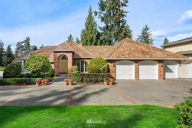 9416 NE 25th Street, Clyde Hill, WA 98004 (#1667366) :: Ben Kinney Real Estate Team
