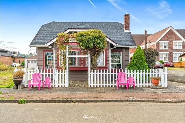 320 Sixth St, Raymond, WA 98577 (#1667913) :: Mike & Sandi Nelson Real Estate