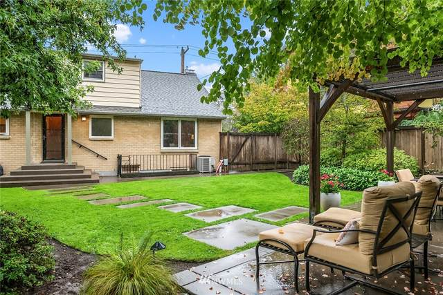 2047 N 77th Street, Seattle, WA 98103 (#1668104) :: Better Homes and Gardens Real Estate McKenzie Group