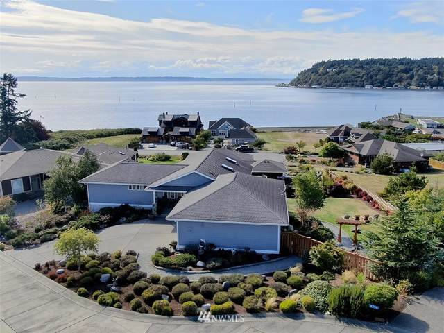 8260 Tideland Way, Clinton, WA 98236 (#1668347) :: Better Homes and Gardens Real Estate McKenzie Group