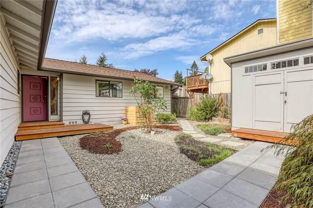 10721 30th Avenue NE, Seattle, WA 98125 (#1668421) :: Alchemy Real Estate