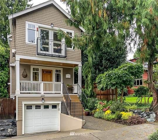 6235 31st Avenue NE, Seattle, WA 98115 (#1668438) :: Urban Seattle Broker