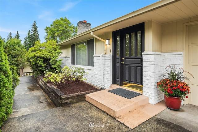 2321 100th Avenue NE, Bellevue, WA 98004 (#1668540) :: Ben Kinney Real Estate Team