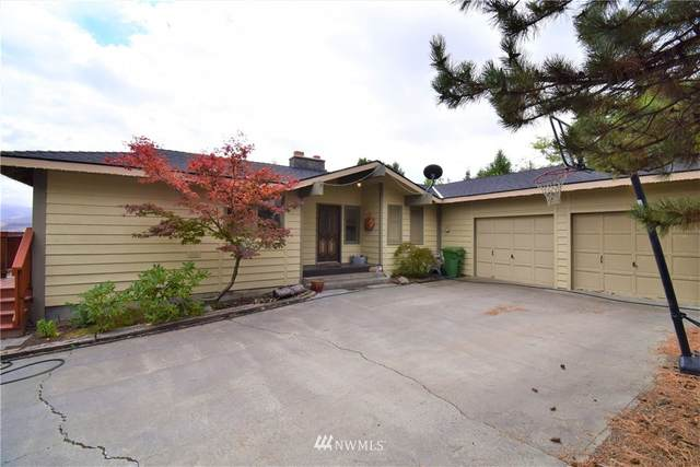 211 Grape Avenue W, Omak, WA 98841 (#1668924) :: NextHome South Sound