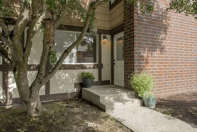 11348 3rd Avenue NE B, Seattle, WA 98125 (#1669814) :: Northern Key Team