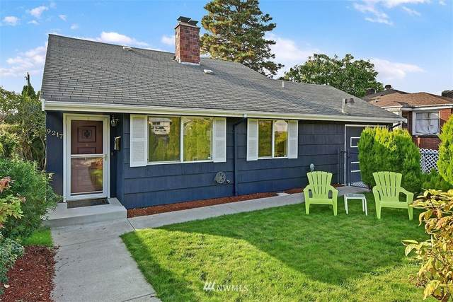 9217 25th Avenue SW, Seattle, WA 98106 (#1670788) :: TRI STAR Team | RE/MAX NW