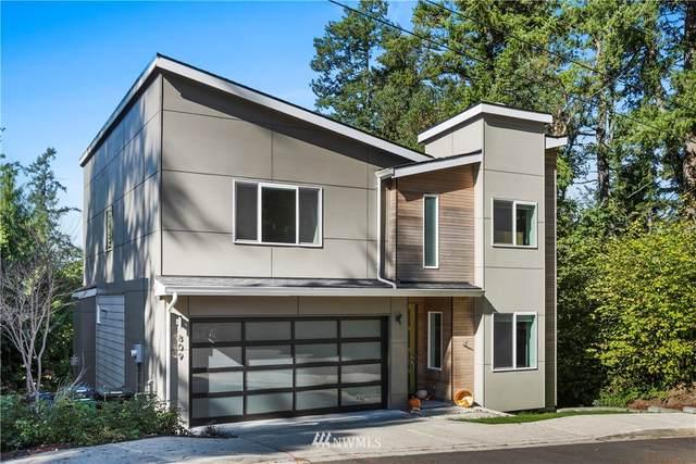 809 206th Avenue NE, Sammamish, WA 98074 (#1671034) :: Ben Kinney Real Estate Team