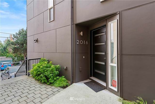 2016 14th Avenue S, Seattle, WA 98144 (#1672197) :: Ben Kinney Real Estate Team