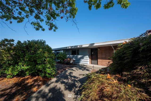 1812 126th Avenue SE, Bellevue, WA 98005 (#1672980) :: Mike & Sandi Nelson Real Estate