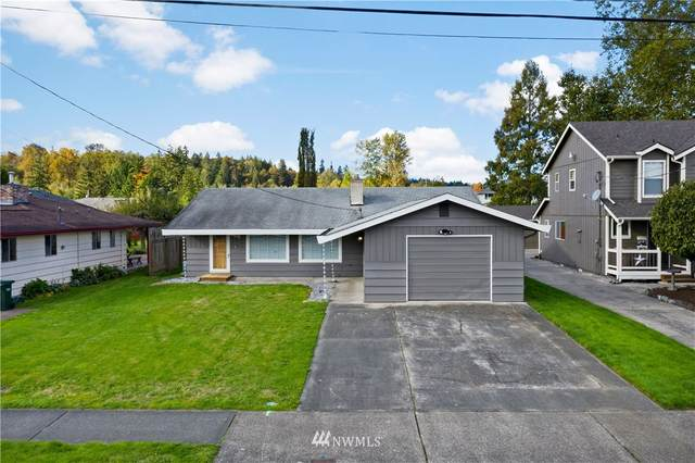 906 14th Street SW, Puyallup, WA 98371 (#1674674) :: Priority One Realty Inc.