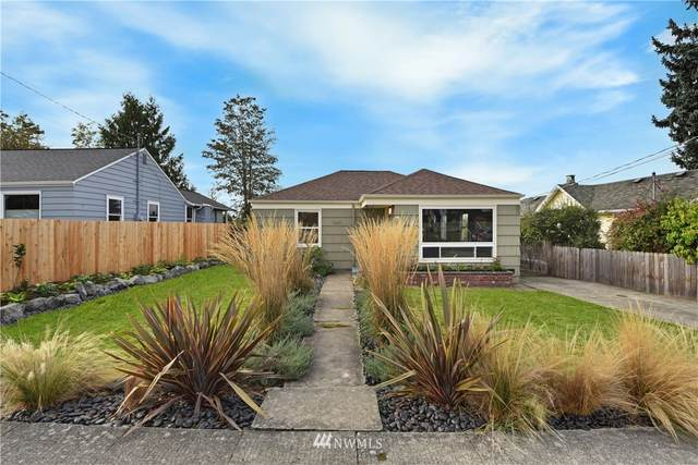 9843 61st Avenue S, Seattle, WA 98118 (#1675925) :: Ben Kinney Real Estate Team