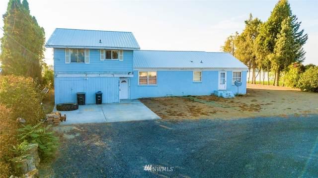 3910 W Lakeshore Drive, Moses Lake, WA 98837 (#1676873) :: NW Home Experts