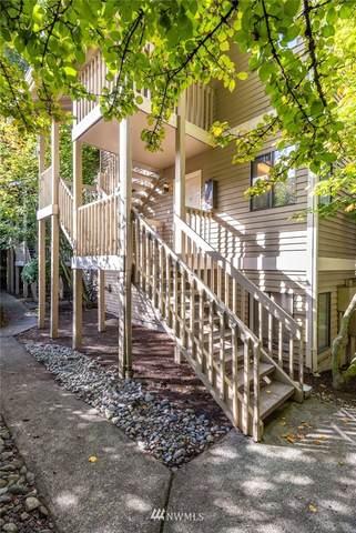 406 10th Street C202, Kirkland, WA 98033 (#1676971) :: Pickett Street Properties