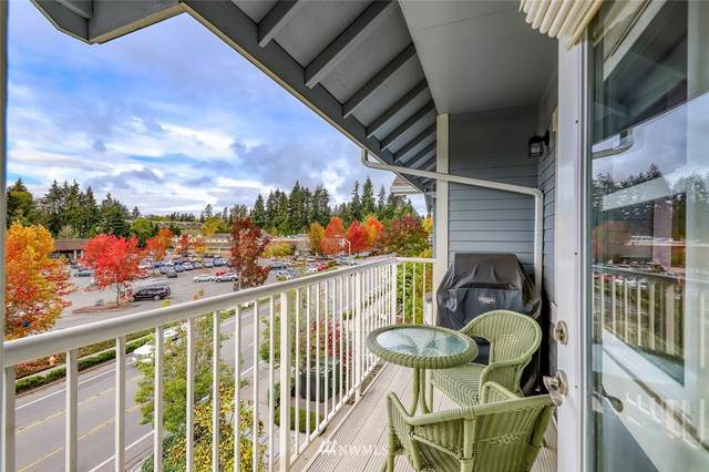 300 High School Road NE #404, Bainbridge Island, WA 98110 (#1677095) :: Keller Williams Realty