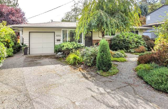 3201 SW 114th Street, Seattle, WA 98146 (#1677161) :: The Shiflett Group