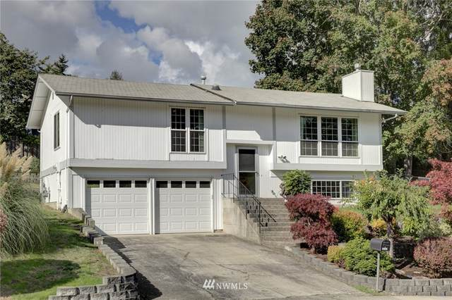 16301 134th Avenue SE, Renton, WA 98058 (#1677418) :: Mike & Sandi Nelson Real Estate
