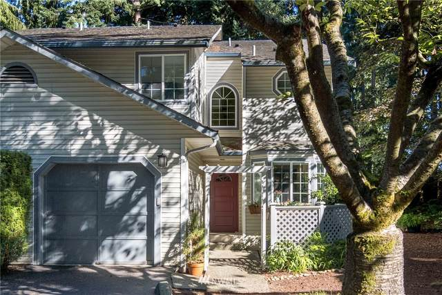 2801 NE 195th Street #16, Lake Forest Park, WA 98155 (#1678157) :: KW North Seattle