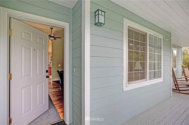 728 Sandstone Lane, Camano Island, WA 98282 (#1678524) :: Pickett Street Properties